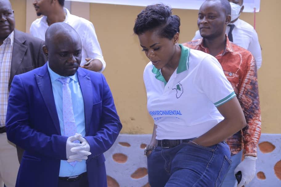 Le ministre Provincial Ituri & la directrice nationale HESHIMIA MAZINGIRA - Séminaire sur le Lac Albert 7 Mai 2020 Ituri